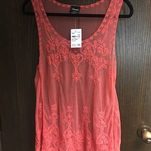 Lace tank. Coral.